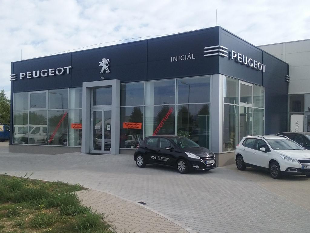 Peugeot márkakereskedés nyitása
